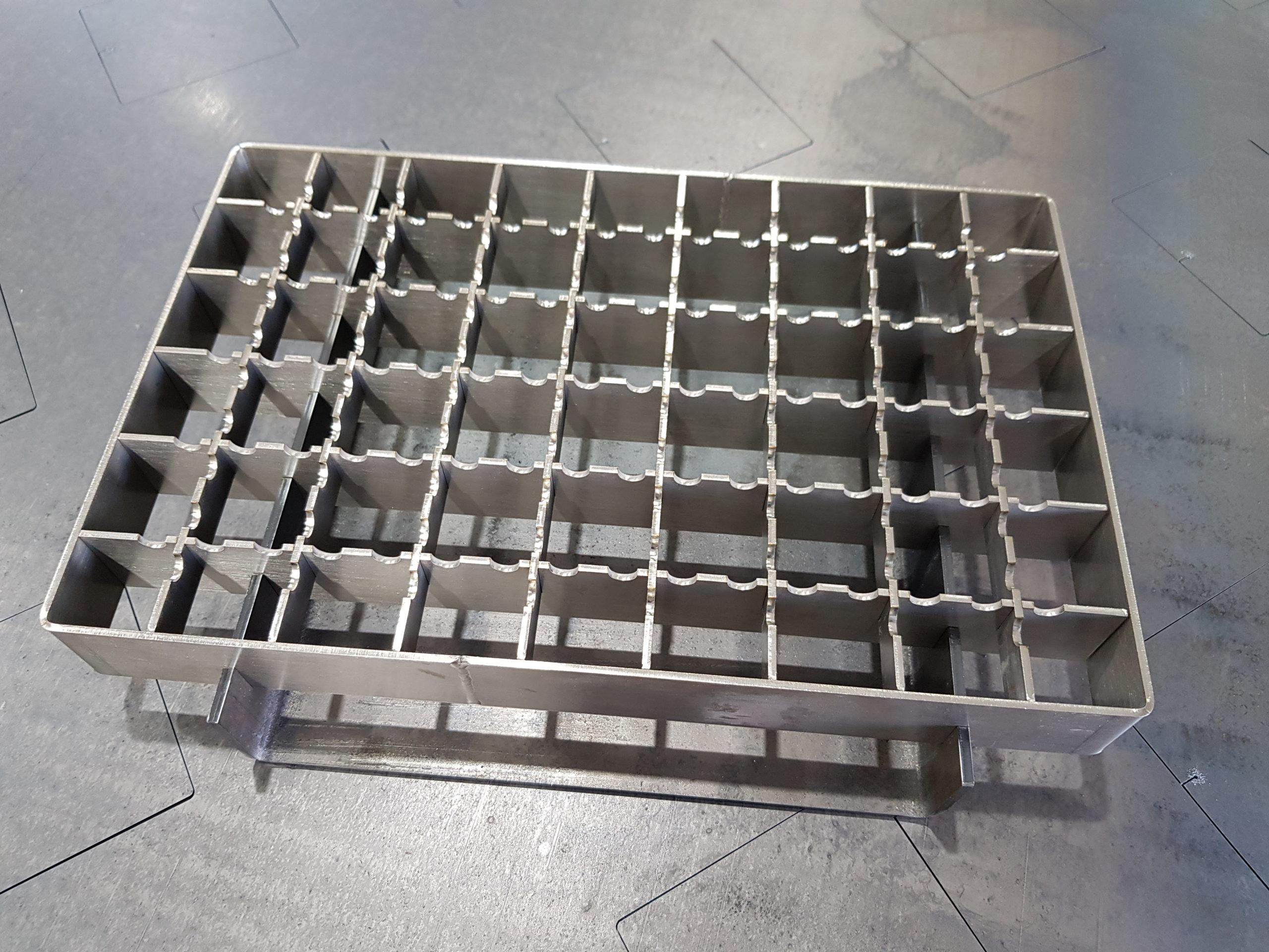 Решетка для водоотвода из металла